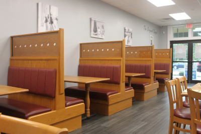picture of booths at Buppa's Breakfast in Marshfield